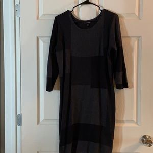 Lightweight sweater dress.  Black and Grey. Xl